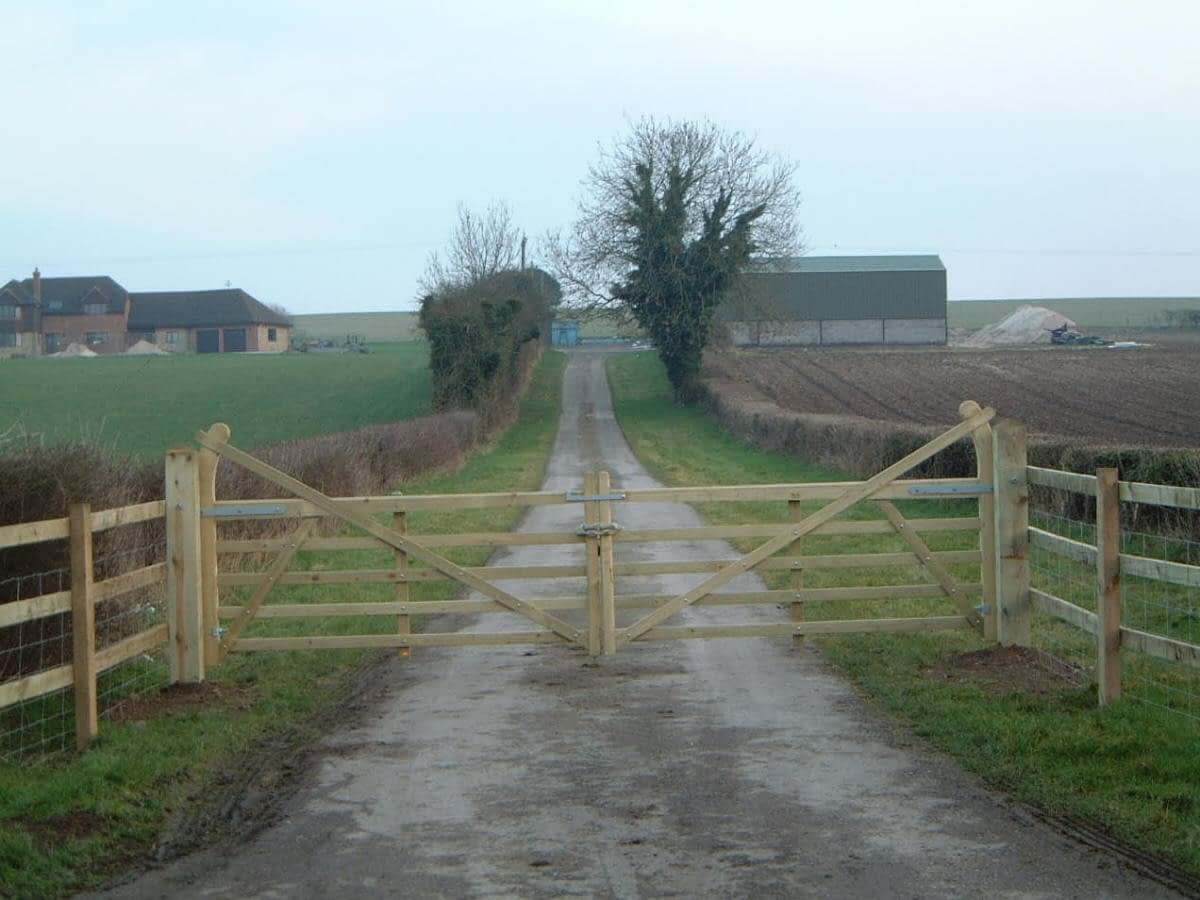 Wooden 5 bar gate